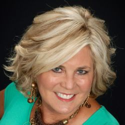 Laurie Brewer @ United Country Real Estate - Southern Lifestyle Properties