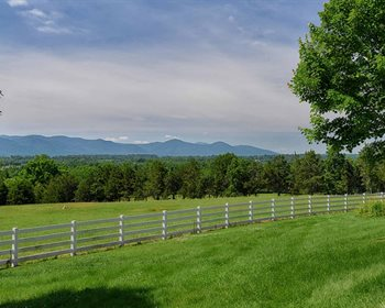 Beautiful Home Overlooking Shenandoah Valley Horse Farm