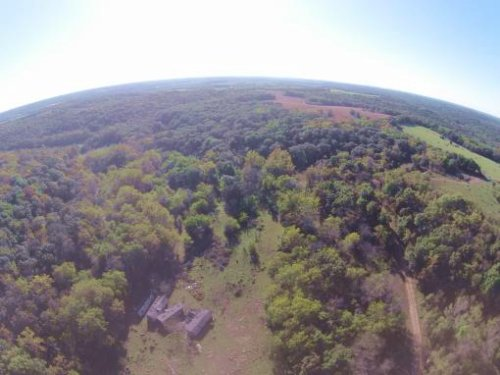 97 Acres Located Outside Of Easton : Easton : Leavenworth County : Kansas