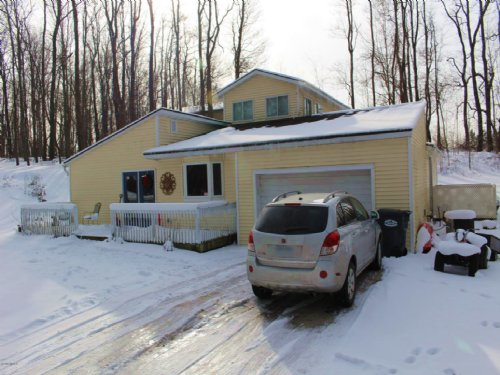 Secluded Living : Grand Junction : Van Buren County : Michigan