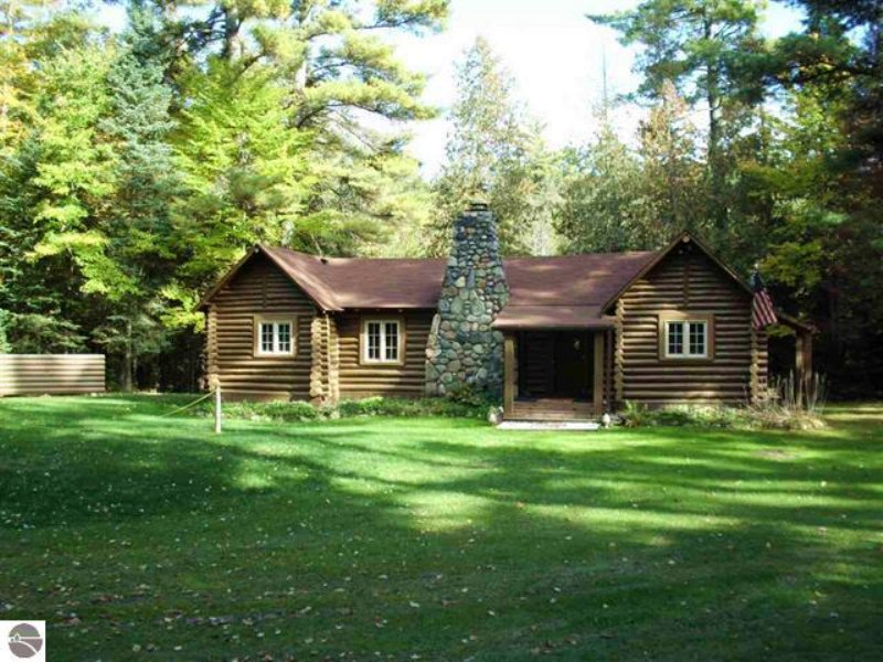 Unique Vintage Property : Luzerne : Oscoda County : Michigan