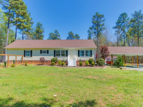 Gorgeous Ranch Home With Pool : Amelia Court House : Amelia County : Virginia