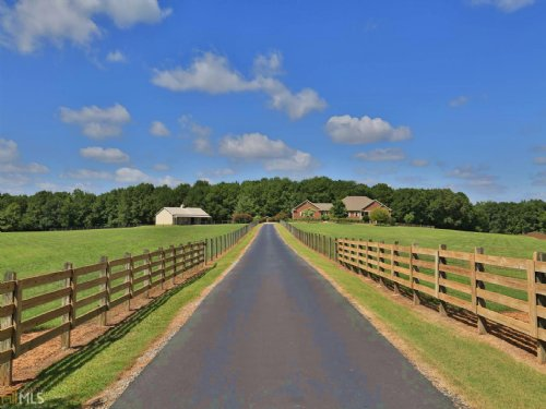 Beautiful Estate On 17+ Acres : Madison : Morgan County : Georgia