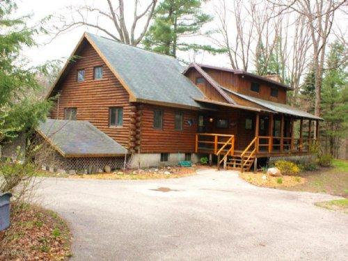 Log Home With White River Fronatage : Hesperia : Oceana County : Michigan