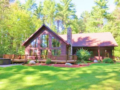 Gorgeous Cedar Chalet 10.40 Acres : Woodruff : Oneida County : Wisconsin