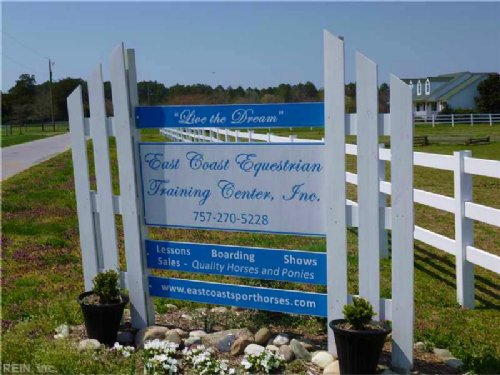 Income-earning Horse Farm For Sale : Virginia Beach : City of Virginia Beach County : Virginia