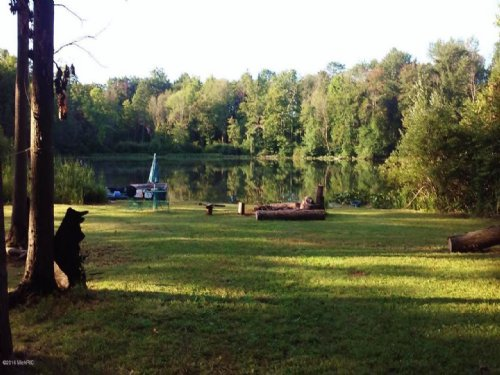 Unique Property With Two Lakes : Bangor : Van Buren County : Michigan