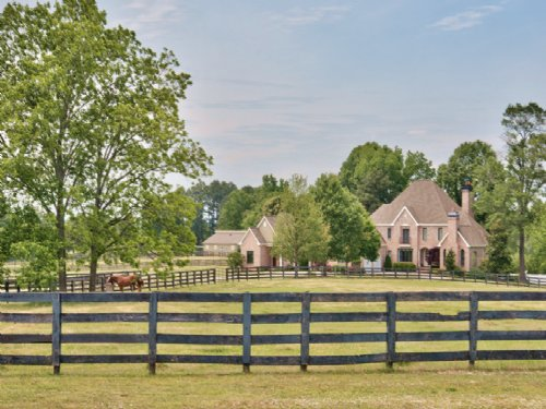 Showcase Home, Barn And Pool : Social Circle : Walton County : Georgia