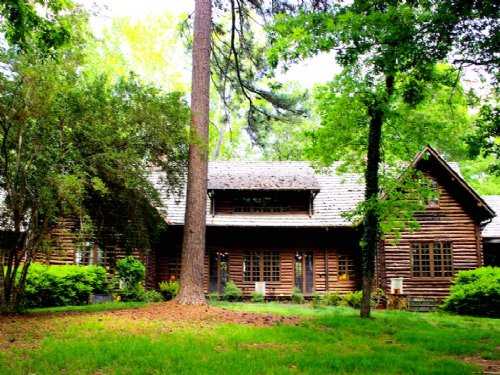 The Lodge At Blue Springs : Hamilton : Harris County : Georgia