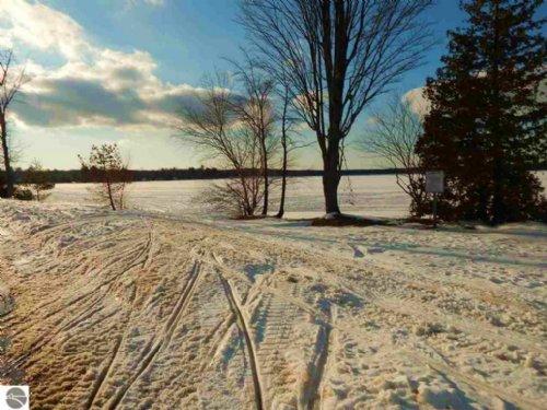 Manistee Lake 40 Resort And More : Kalkaska County : Michigan