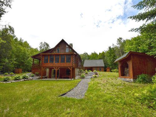 Junior Lake Log Home Living : Lakeville : Penobscot County : Maine