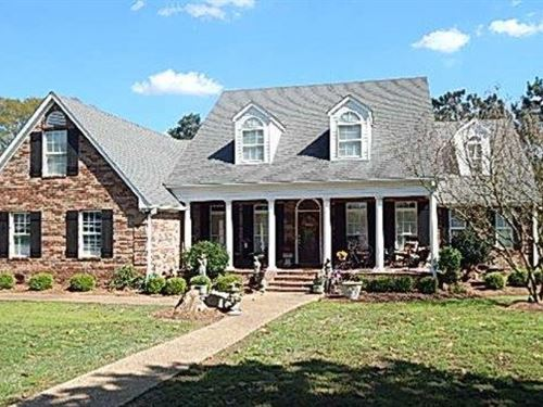 72 Acres W/ Custom Home In Madison : Flora : Madison County : Mississippi