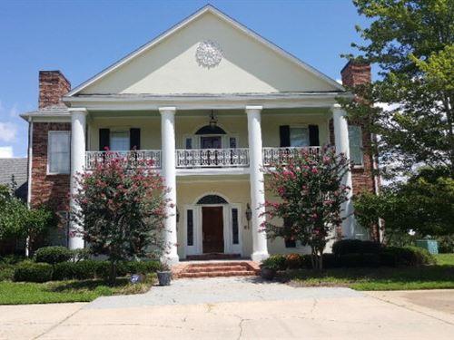 Lakefront Estate For Sale, Madison : Flora : Madison County : Mississippi