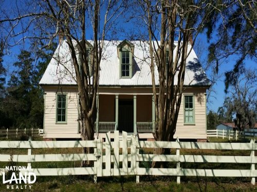 Historic Hill House And Farm : Willis : San Jacinto County : Texas