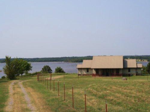 Central Oklahoma Lake Overlook Home : Chandler : Lincoln County : Oklahoma