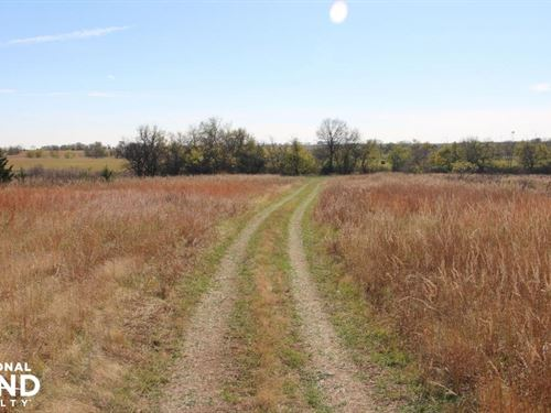 Osage County Hunting With Income : Melvern : Osage County : Kansas