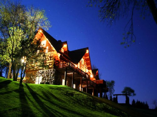 24 Ac Log Home With Amazing Views : Richland Center : Richland County : Wisconsin