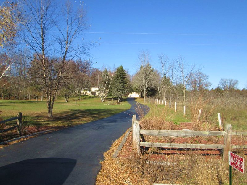 Private Home - Waterfront And Hunti : Packwaukee : Marquette County : Wisconsin