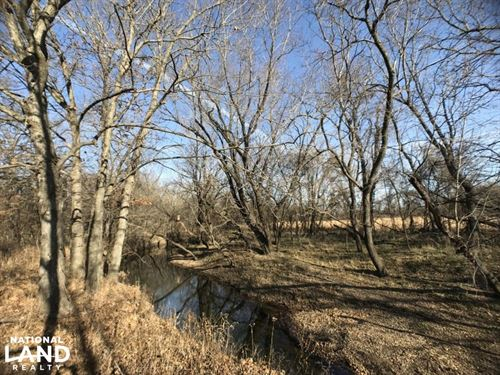 Thunderbolt Creek Hunting And Home : Girard : Crawford County : Kansas