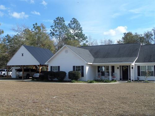 Beautiful Home With Acreage : Jesup : Wayne County : Georgia