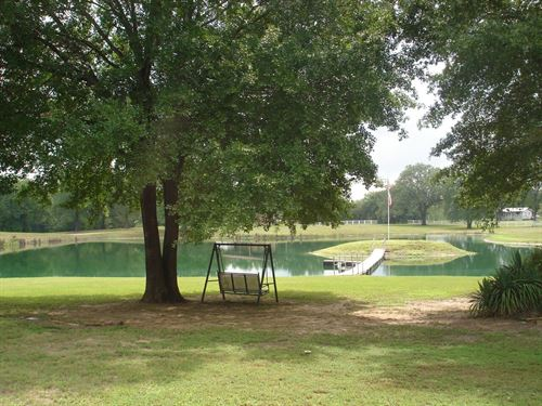 Secluded Country Home Lake Woods Ac : Pattonville : Lamar County : Texas