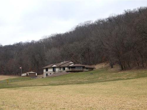 Country Home In Driftless Area : Arena : Iowa County : Wisconsin