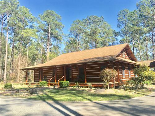 Custom Cabin With 44 Acres & Lake : Thomasville : Thomas County : Georgia