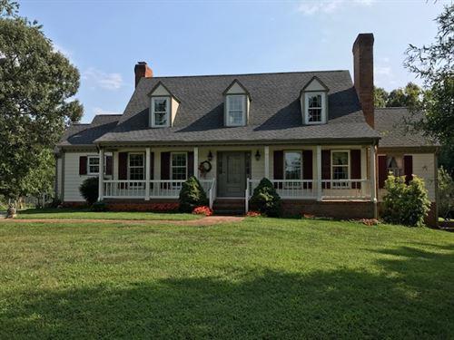 An Equestrian's Escape : Keysville : Charlotte County : Virginia