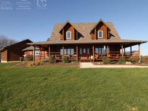 Executive Lodge W/ Premium Hunting : Viroqua : Vernon County : Wisconsin