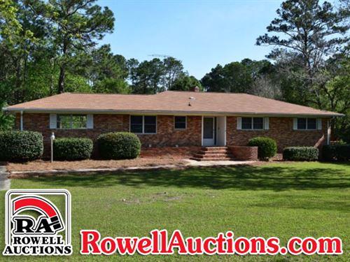 Home On 8+/- Acres : Tifton : Tift County : Georgia