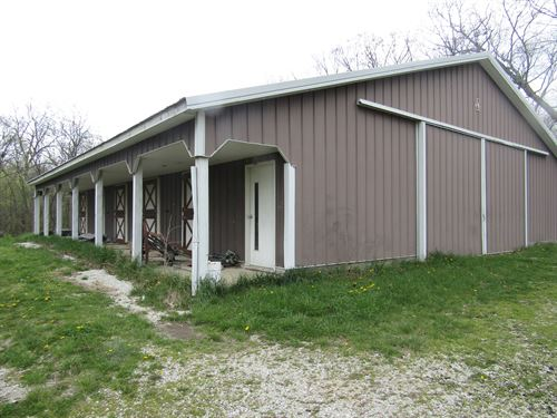 Absolute. 5 Acres & Horse Barn : Centralia : Jefferson County : Illinois