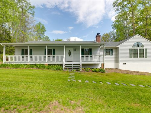 Home On 7+ Acre Lot : Bumpass : Louisa County : Virginia