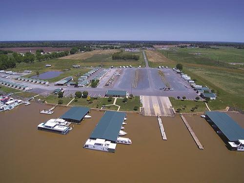Marina, Travel Center & More : Bossier City : Bossier Parish : Louisiana
