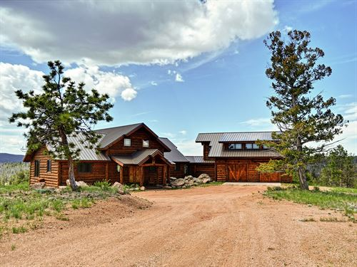 Executive Home In Game Preserve : Tie Siding : Albany County : Wyoming