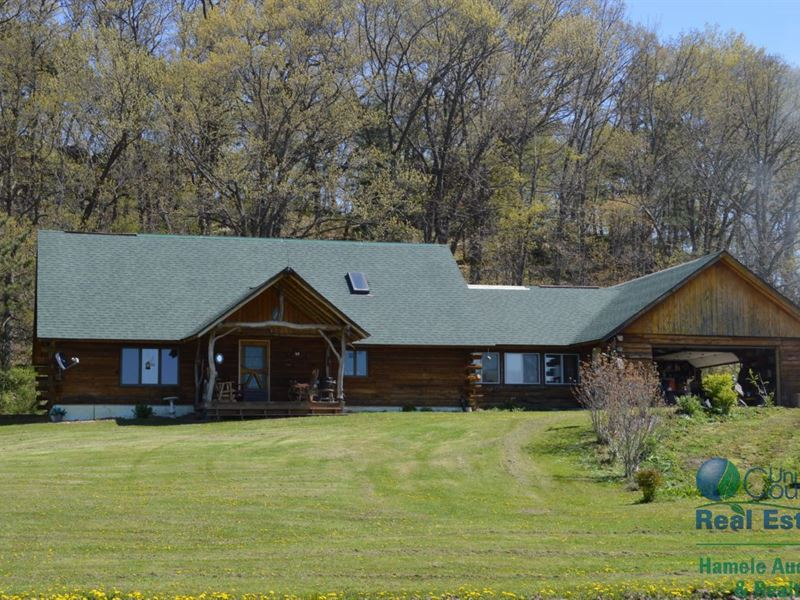 Log Home With Hunting And Tillable : Mauston : Juneau County : Wisconsin