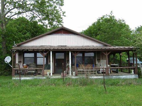 Home With Acreage : Blossom : Lamar County : Texas