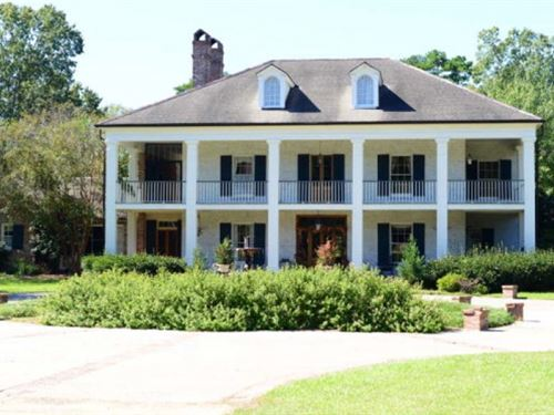 Antebellum Home On Large Acreage Wi : Gloster : Amite County : Mississippi