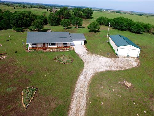 Custom Home On 36.7 Acres : Sedan : Chautauqua County : Kansas