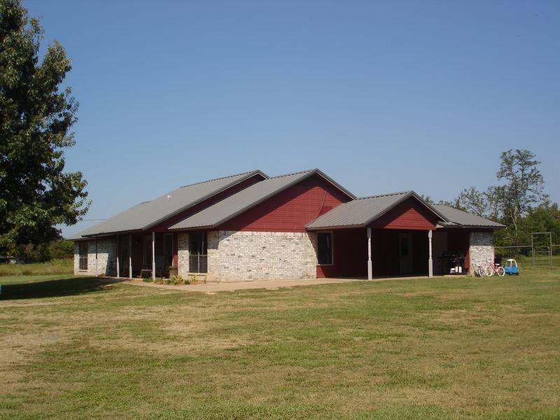 Lakefront Home For Sale In Ne Tx : Arthur City : Lamar County : Texas