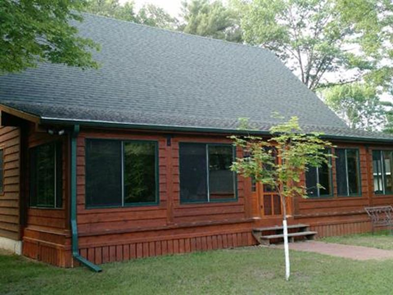 Country Home & Land For Sale : Iola : Waupaca County : Wisconsin