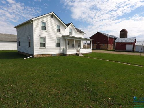Investment Property With Farmhouse : Spring Green : Sauk County : Wisconsin