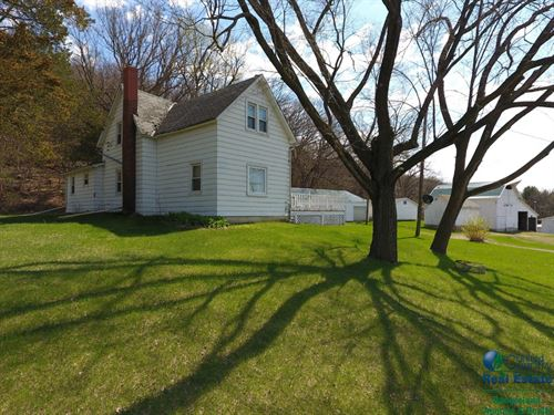 Picturesque Farmette For Sale : Spring Green : Sauk County : Wisconsin