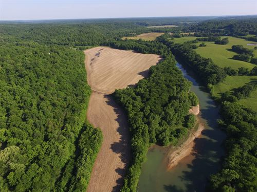 208 Acre Farm On The Buffalo River : Lobelville : Perry County : Tennessee