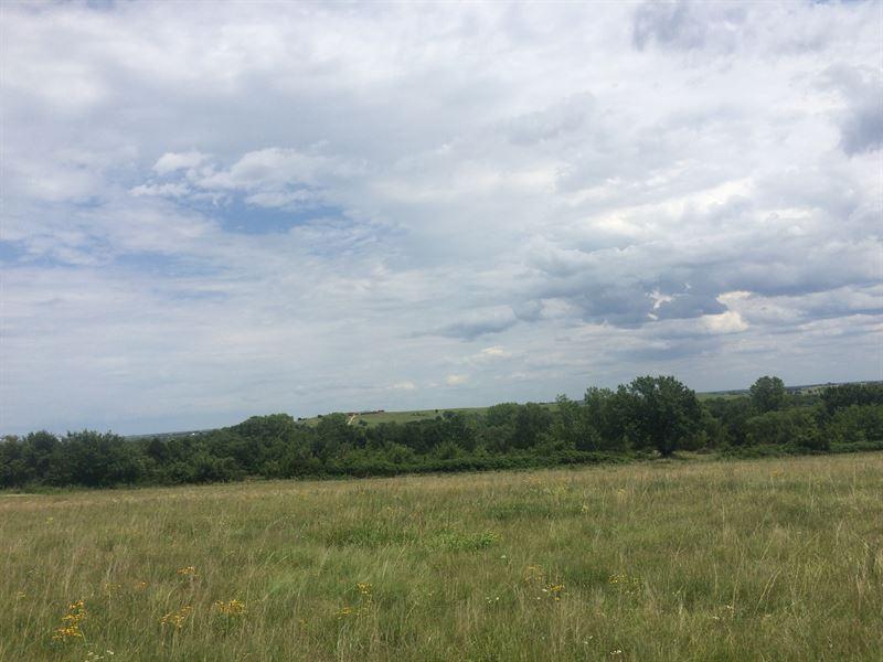 Greenwood County Hunt & Fish : Eureka : Greenwood County : Kansas