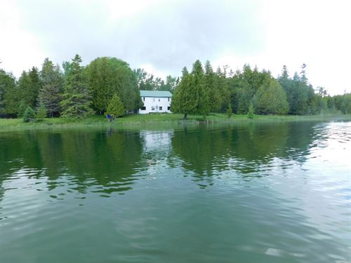 173 Acres On Drummond Island : Drummond Island : Chippewa County : Michigan