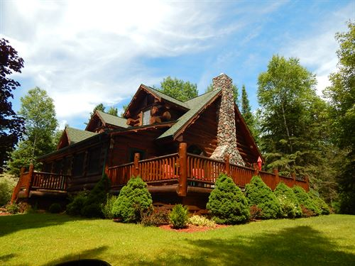 Log Home, Waiska River & 20 Acres : Brimley : Chippewa County : Michigan