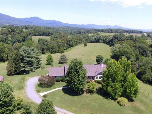 Country Estate On 56 Acres : Big Island : Bedford County : Virginia
