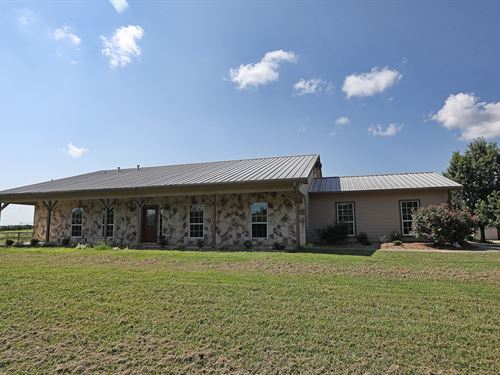 Country Home With Pool : Paris : Lamar County : Texas