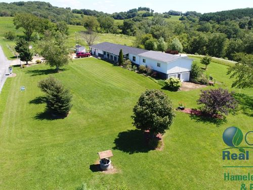 Country Home With Private Pond : Wonewoc : Juneau County : Wisconsin