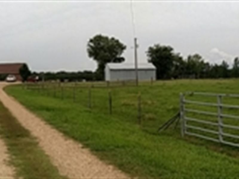 4Bd/2.5Ba Home On 107Ac Farm : Montpelier : Clay County : Mississippi